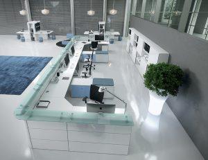 ABAKO-Bancone-reception-attrezzata-con-piano-di-lavoro-ufficio-Riganelli-Arredamenti