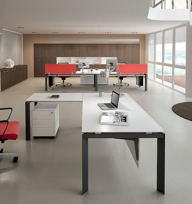 ENTITY-Tavolo-scrivania-gamba-antracite-Riganelli-Uffici