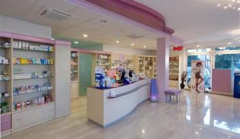 FARMACIA Banco arredamento farmacia e parafarmacia - Riganelli Arredamenti