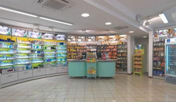 FARMACIA Espositori prodotti e banco vendita design - Riganelli Arredamenti