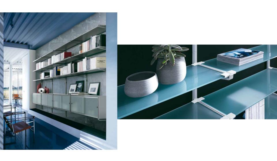 Libreria Socrate metallica con piani in vetro anche pensile