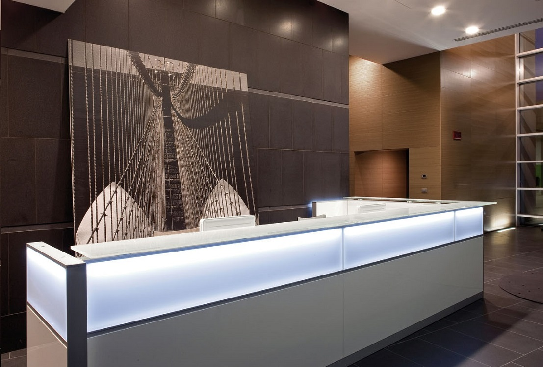 Reception-Led-innovativa-design-in-ufficio-Riganelli-Arredamenti