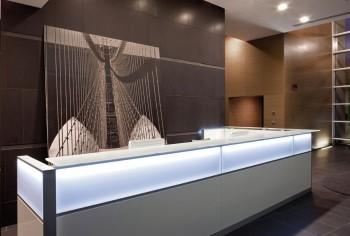 Reception Led innovativa design in ufficio - Riganelli Arredamenti