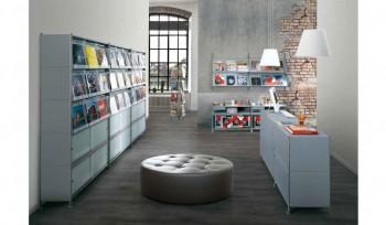 Scaffale per biblioteca con contenitori emeroteca e piani inclinati