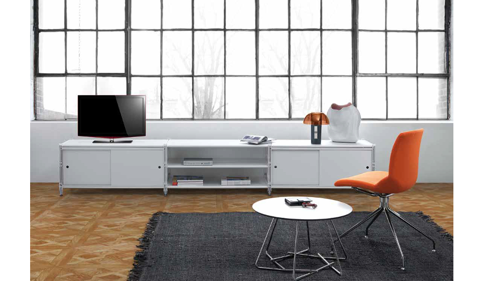 Socrate mobiletto metallico porta tv e tavolinetto tondo da salotto