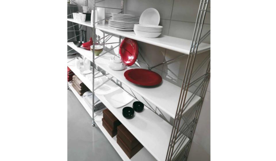 Socrate scaffale metallico per piatti