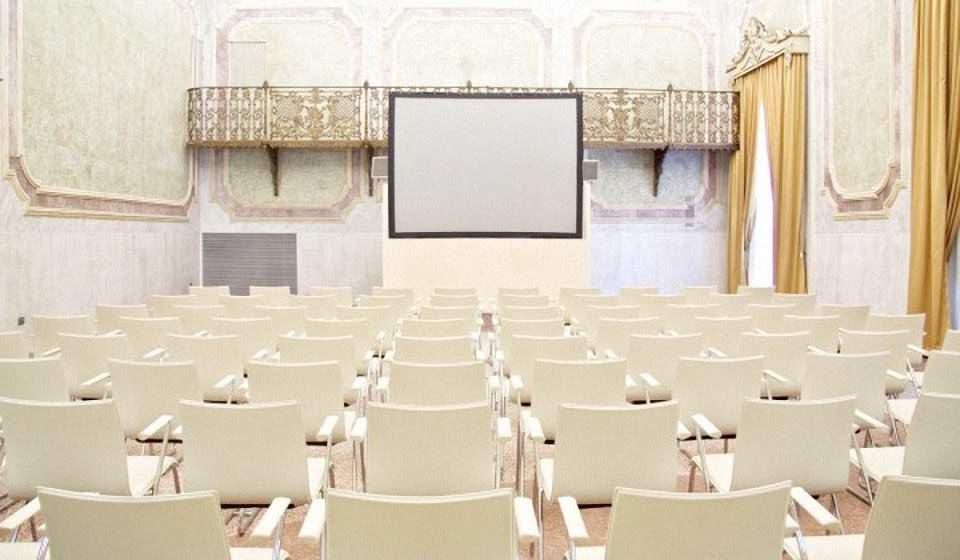 realizzazione sala conferenze - riganelli