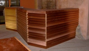 realizzazione bancone in legno per enoteca - riganelli