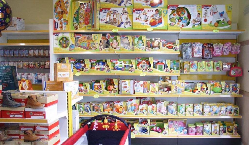realizzazione arredo negozio articoli per l'infanzia - riganelli