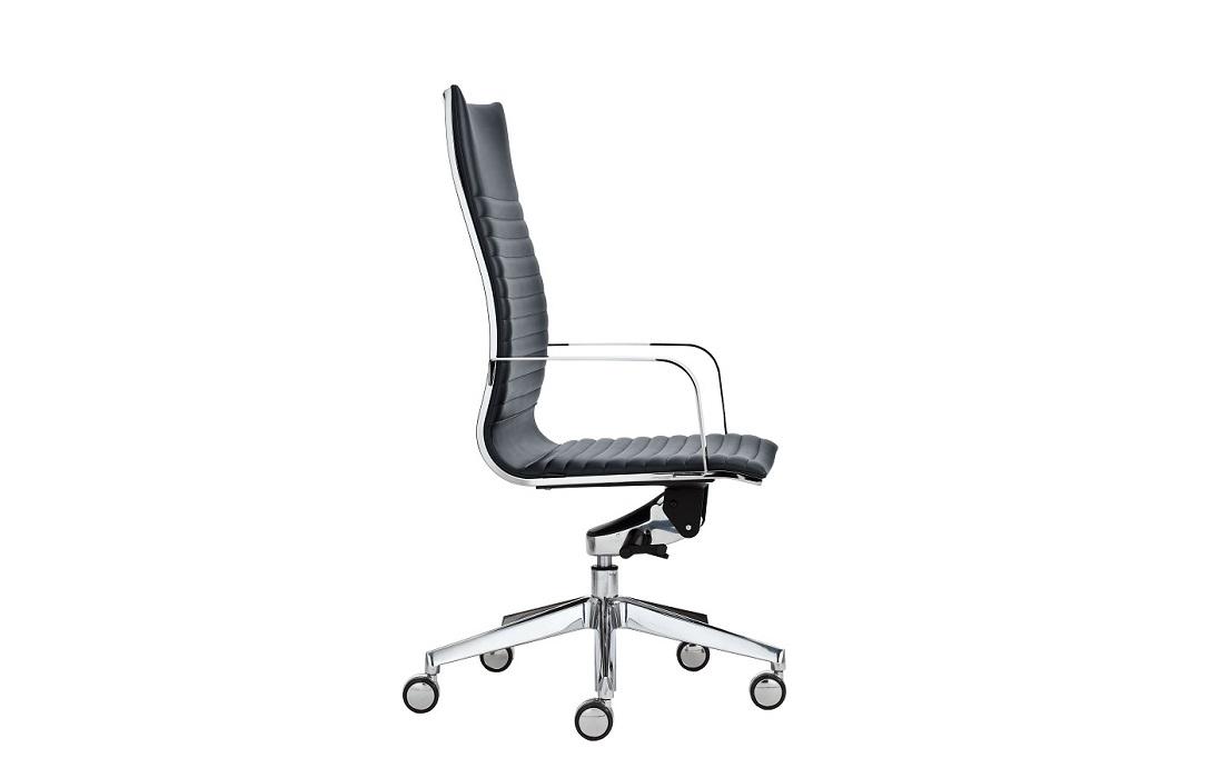 Kruna-seduta-direzionale-con-braccioli-riganelli