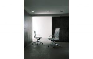 Kruna-seduta-direzionale-per-ufficio-riganelli
