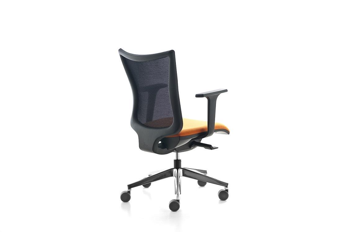 Kuper-seduta-operativa-con-braccioli-regolabili-riganelli