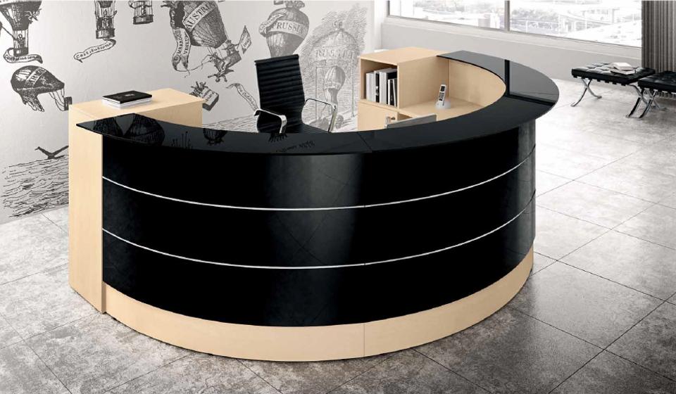 Bancone reception Get con pannello in vetro nero lucido