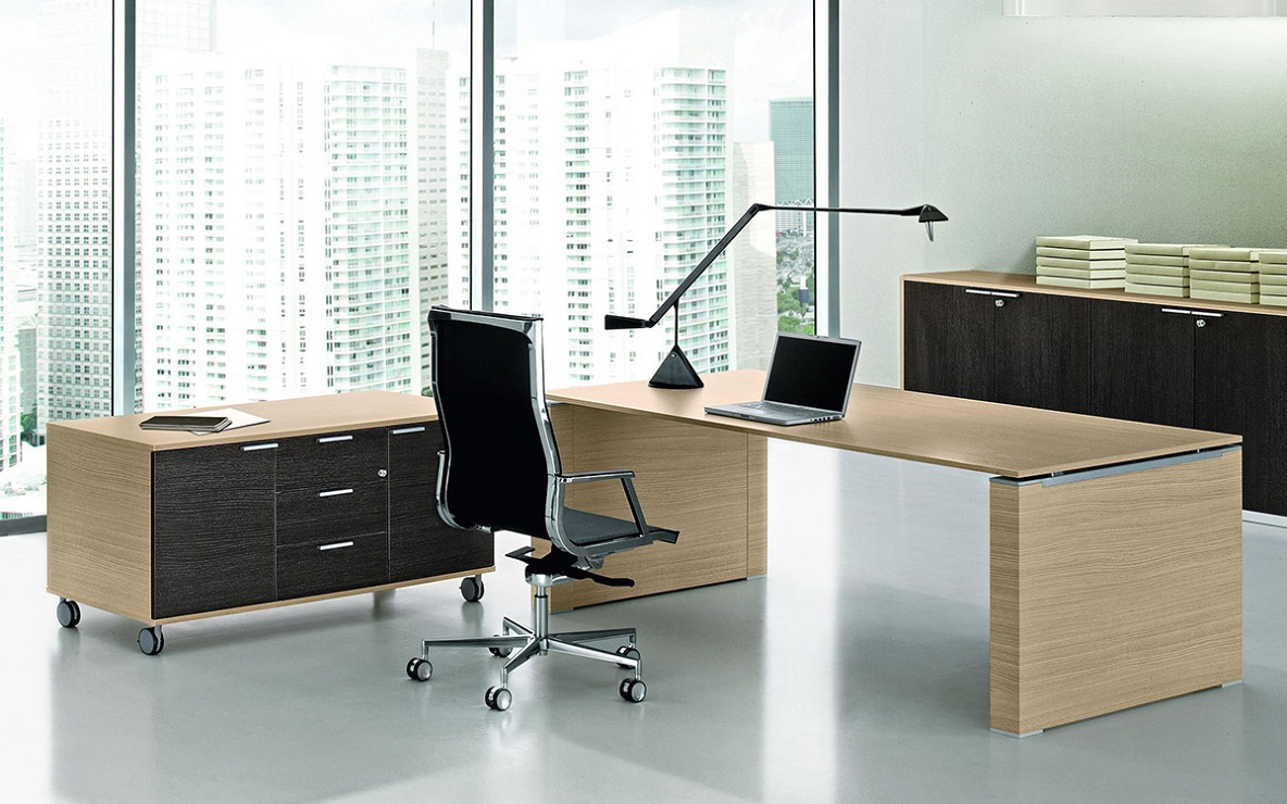 jet scrivania direzionale con gamba pannellata - riganelli