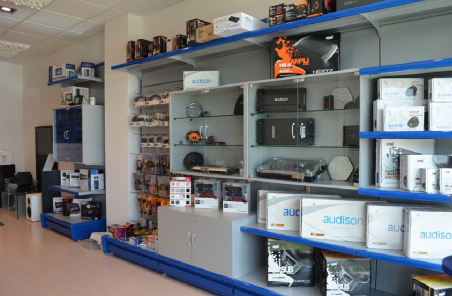 arredo Tmt-interiors-negozio-articoli-hi-fi-car