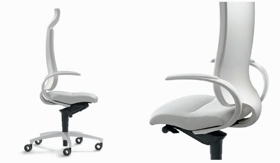 Poltrona ergonomica intouch in pelle con scocche bianche