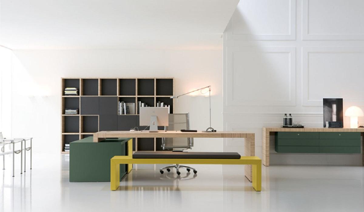 Ufficio-direzionale-Kyo-libreria-quadrotti-con-panca-colorato