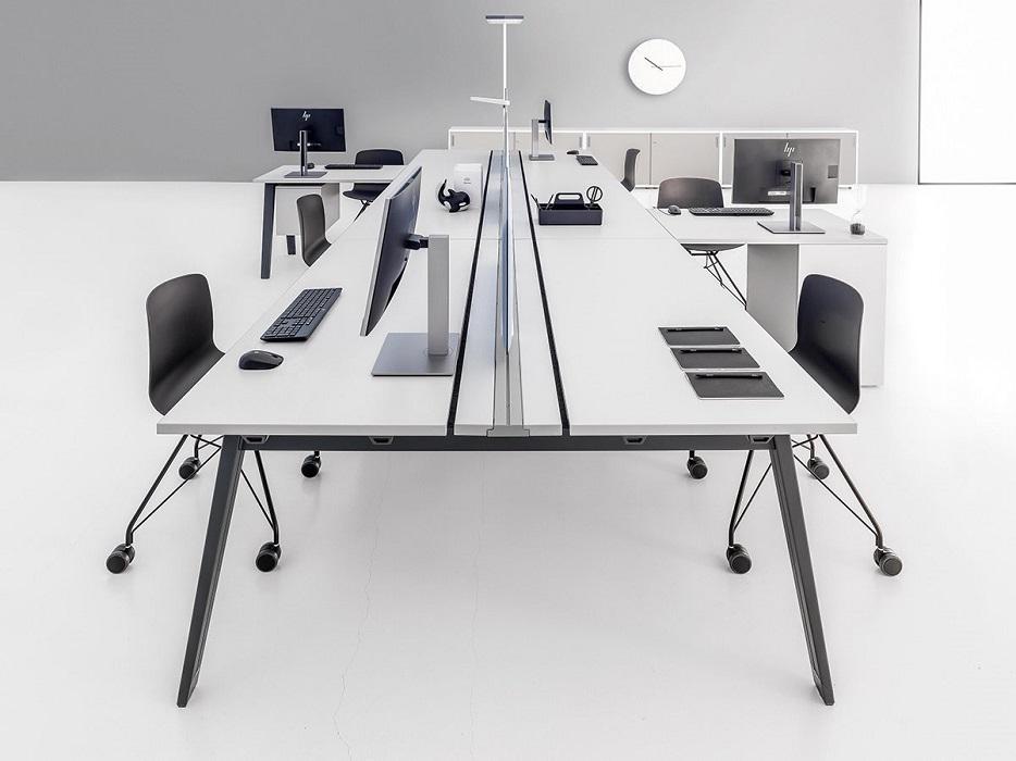 e-place scrivania operativa attrezzabile con binario - riganelli