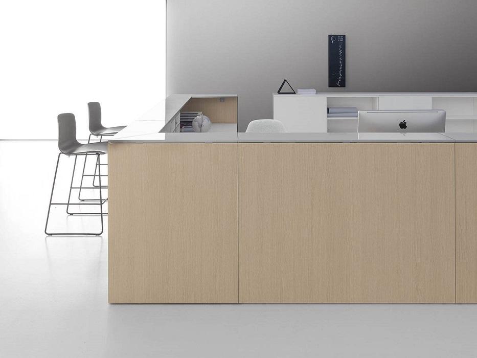qubo reception finitura legno e piano bianco lucido - riganelli