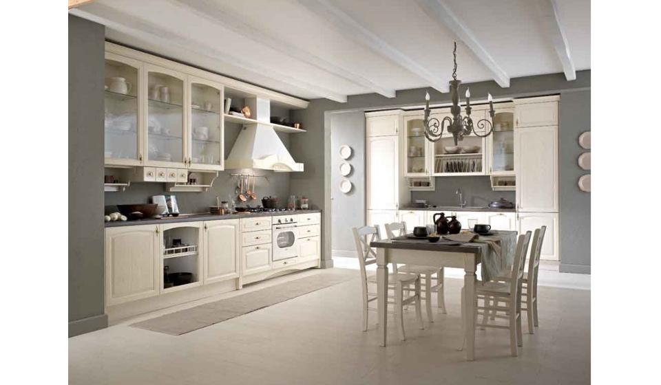 Cucina classica con rifiniture colore bianco