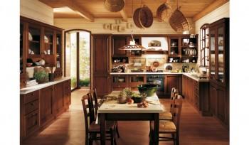 Cucina con credenza ante con cornice e vetro trasparente classica