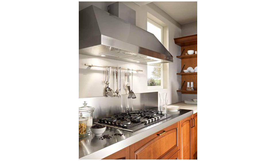 Cucina design classico con top acciaio inox