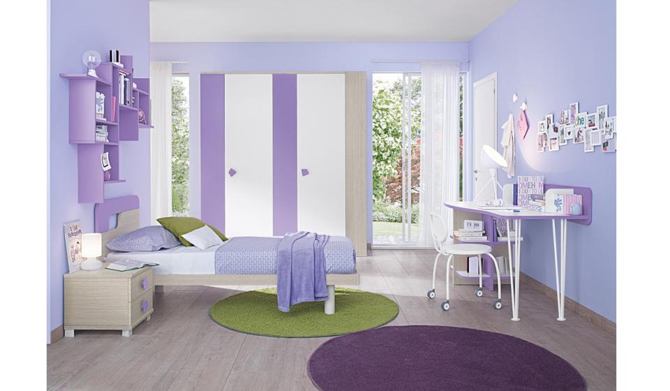 Cameretta per bambina colore lilla e bianco con scrivania