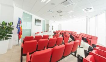 Poltrone a pozzetto per sala conferenze e riunioni Riganelli