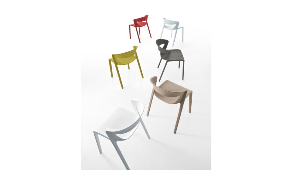Sedia colorata economica e di design