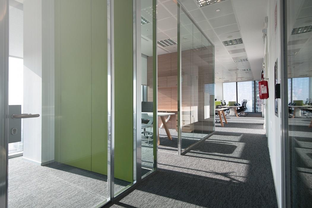 pareti-divisorie-in-vetro-telaio-cromato-riganelli-uffici