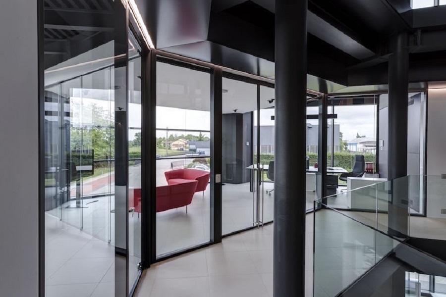 riganelli-uffici-parete-divisoria-in-vetro-allinone