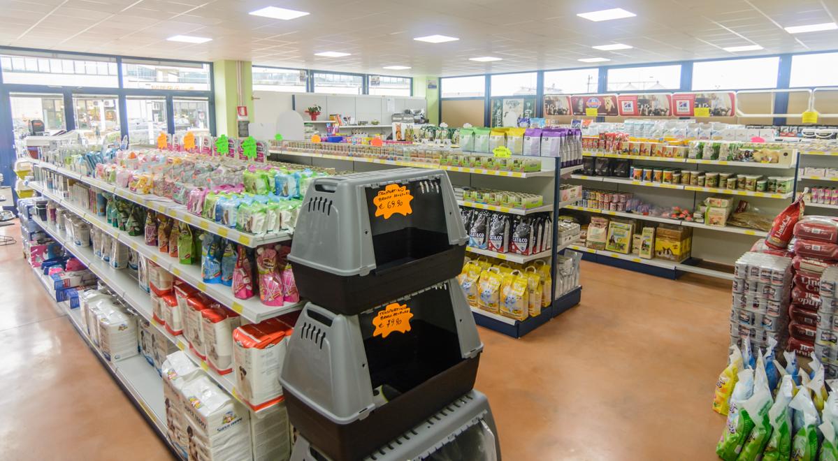 Realizzazione-scaffali-per-supermarket
