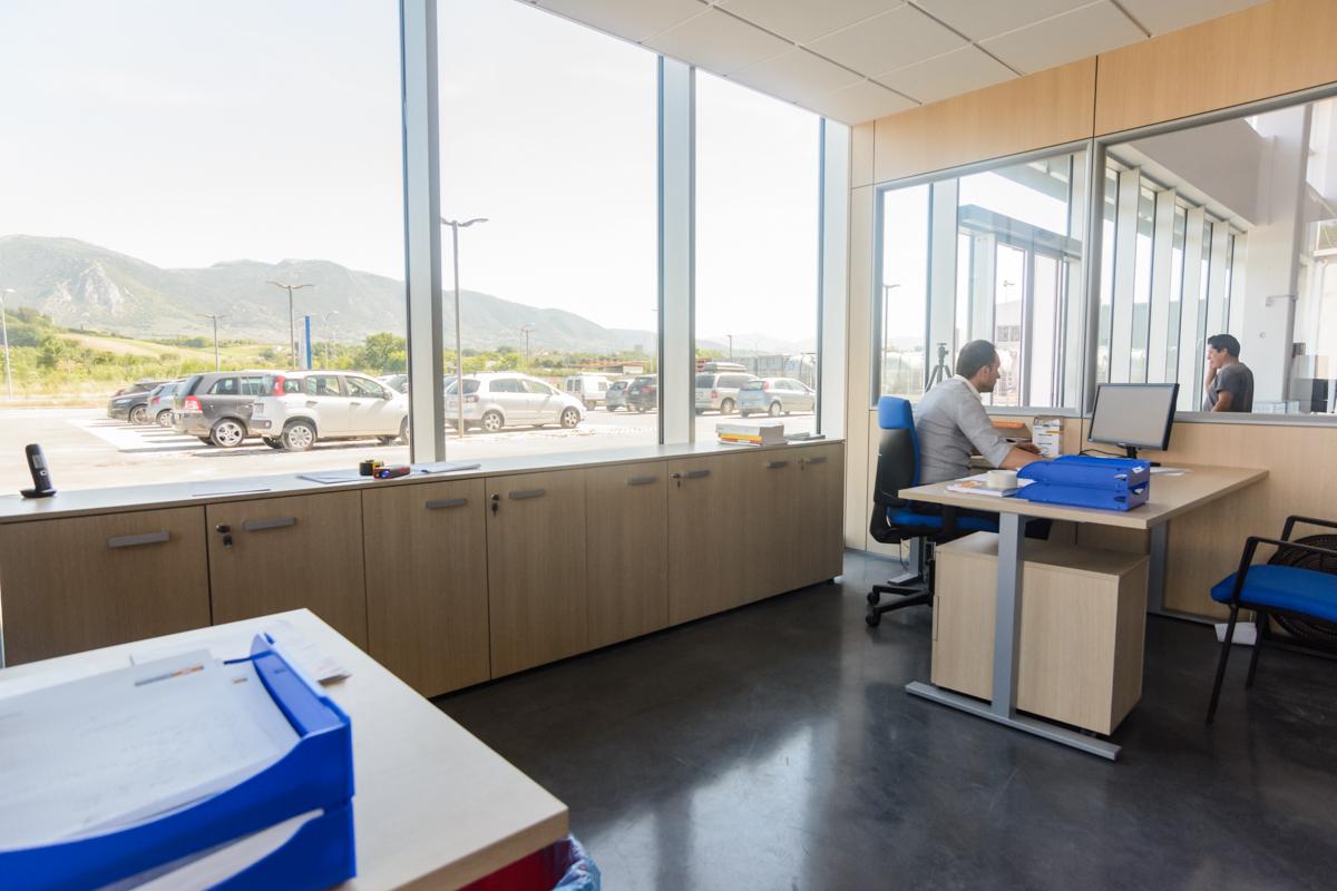 Mobili bassi per ufficio operativo