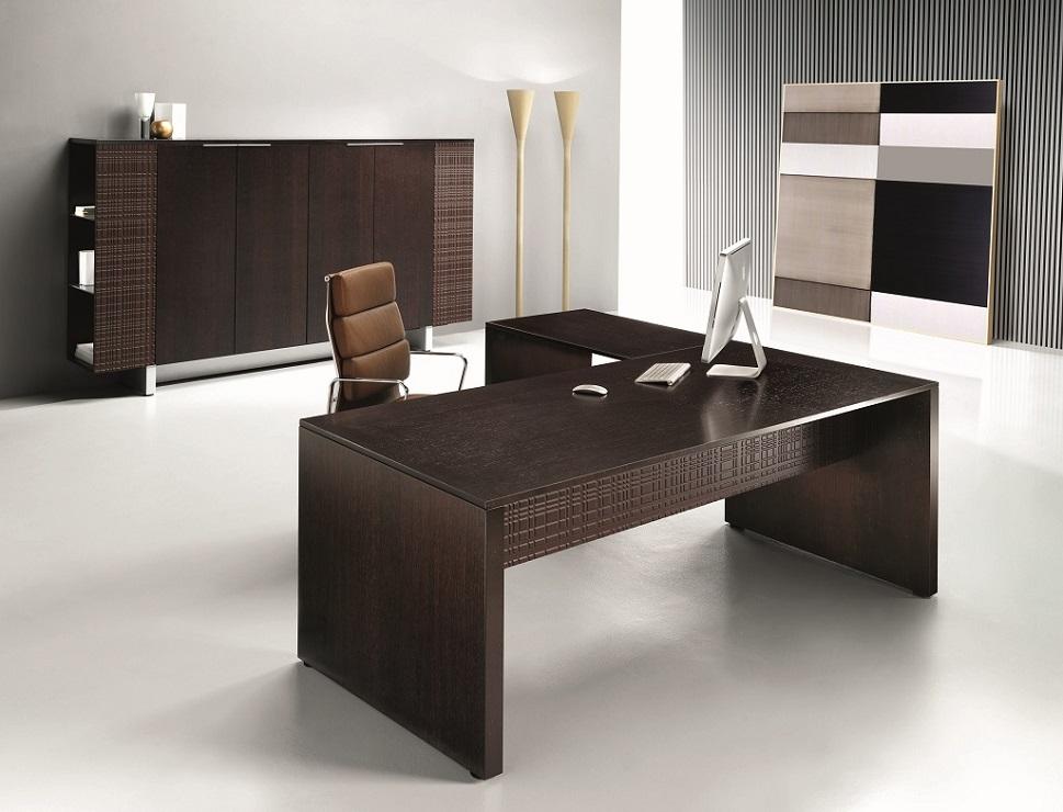 MODI-Scrivania-direzionale-gambe-pannellate-design-minimale-Riganelli-Uffici-1