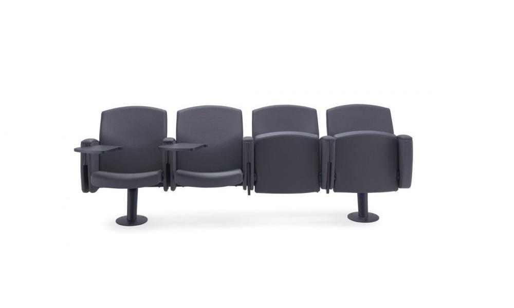 Kadenza-poltrone-con-braccioli-e-tavoletta-scrittoio-a-scomparsa-per-auditorium-teatri-cinema-Riganelli-Arredamenti