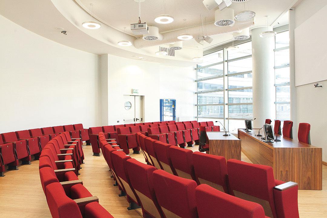 Poltrone rosse victory per sala conferenza congressi teatri cinema - Riganelli Arredamenti