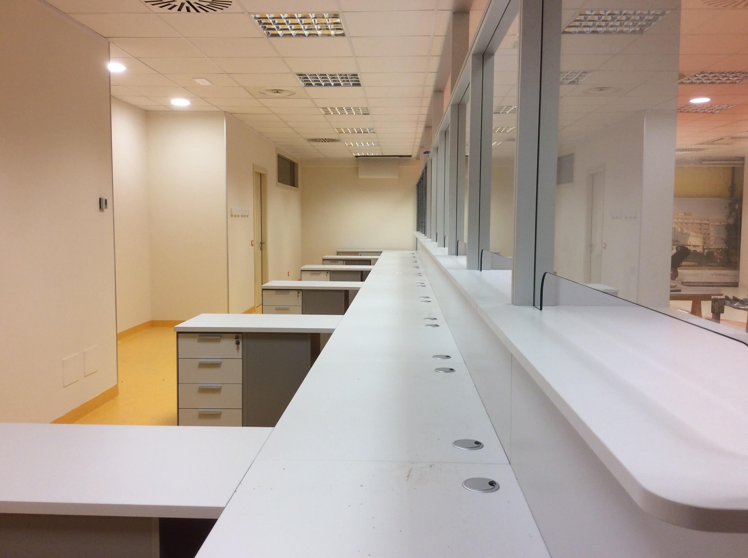 18 Arredamento ufficio accettazione ospedale - Riganelli Arredamenti (2)