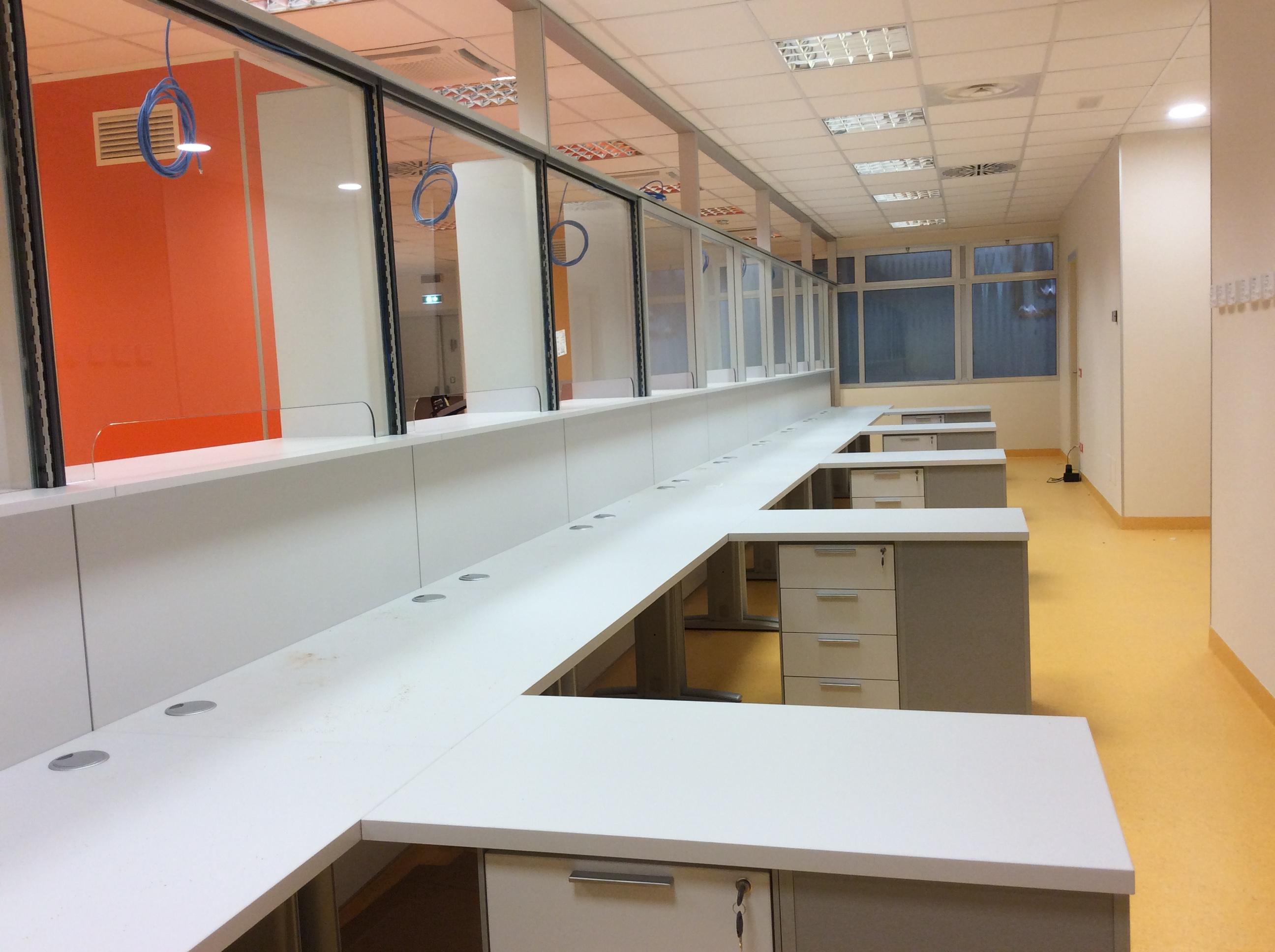 24 Uffici accettazione sportelli - Riganelli Arredamenti