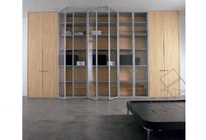 Parete-attrezzata Quadra-parete-divisoria-in-vetro-per-ufficio-Riganelli-Arredamenti-1zzata-a-contenitore-per-archiviazione-divisione-stanze-Riganelli-Arredamenti-1