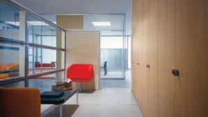 Quadra-parete-attrezzata-a-contenitore-per-archiviazione-storage-divisione-stanze-casa-ufficio-Riganelli-Arredamenti-1