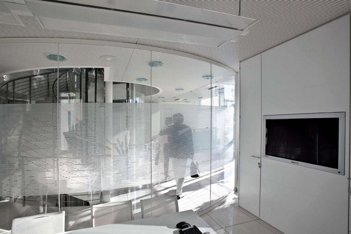 Quadra-parete-divisoria-curva-Riganelli-Arredamenti-1