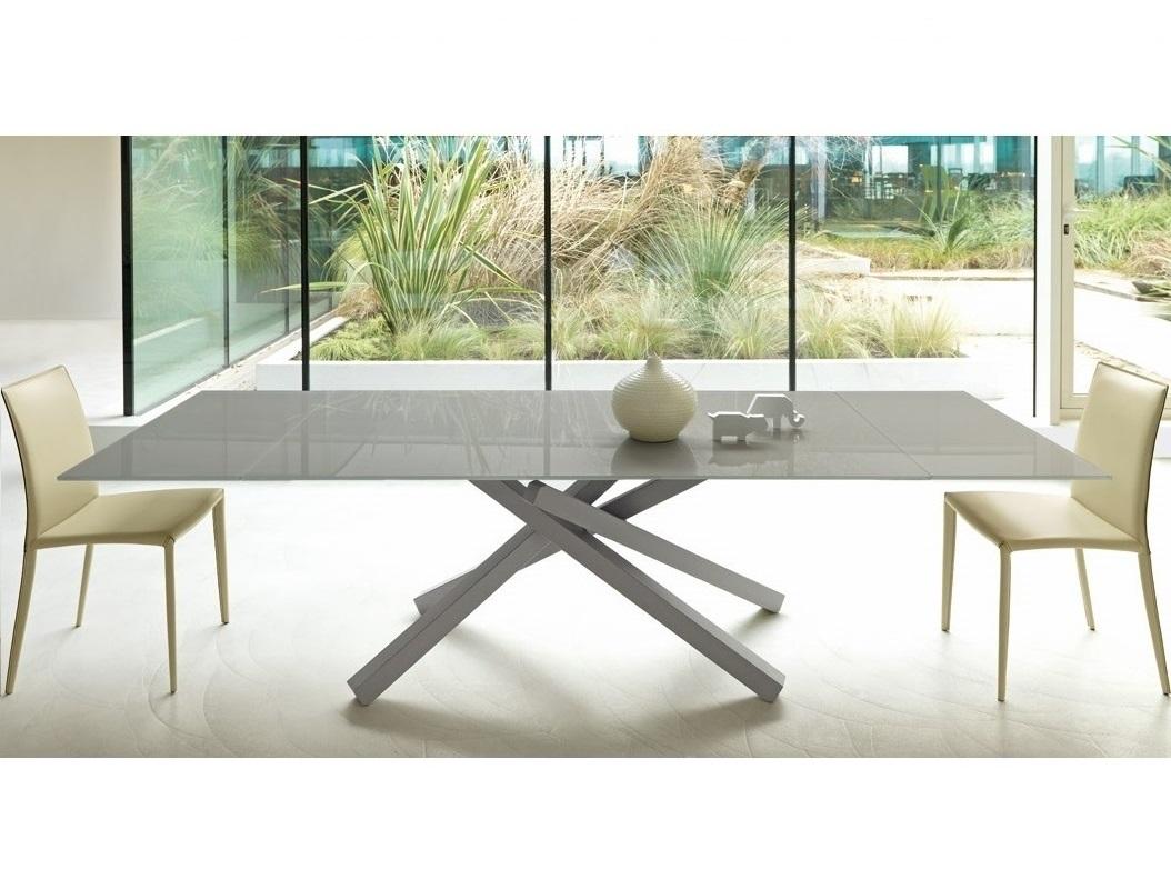 Pechino tavolo design con gamba incrociata - Riganelli Arredamenti