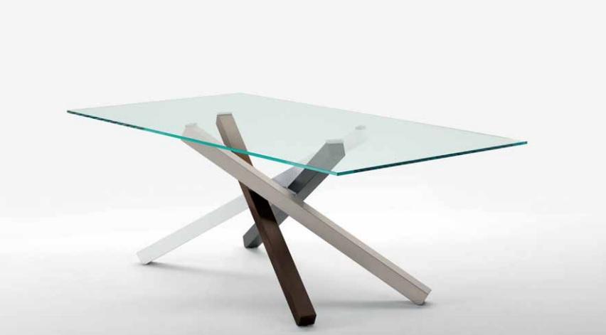 Pechino tavolo design con piano in vetro - Riganelli Arredamenti