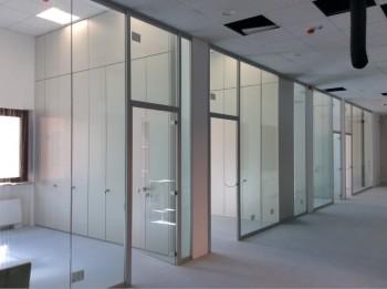 Pareti divisorie e attrezzate ripartizione uffici - Riganelli Arredamenti
