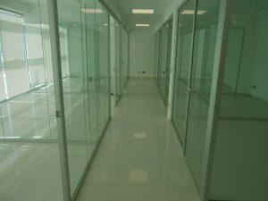Realizzazione-pareti-divisorie-in-vetro-Riganelli-Arredamenti