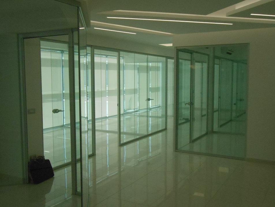 Realizzazione-pareti-divisorie-in-vetro-Riganelli-Uffici