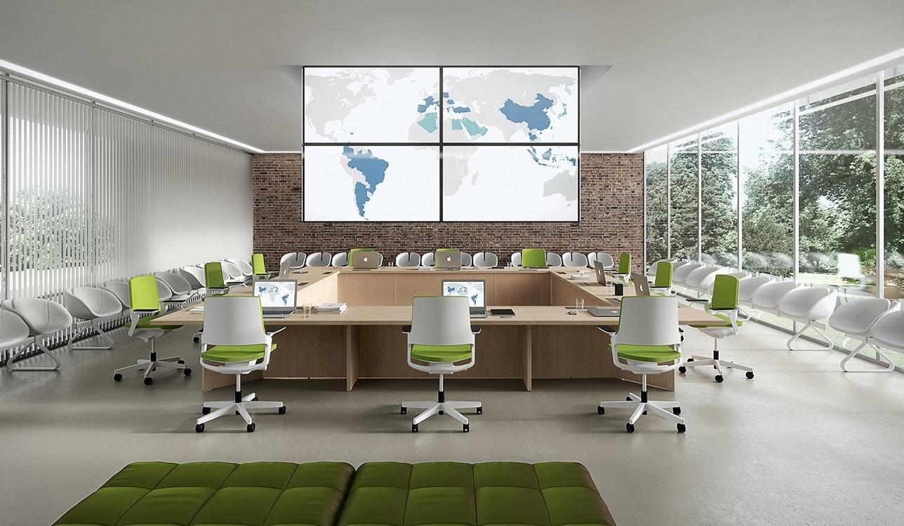 Tavolo-riunione-quadrato-funzionale-postazioni-pc-Riganelli-Arredamenti