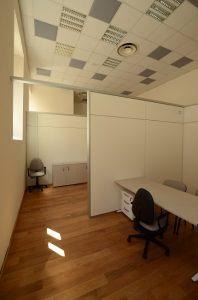 Ufficio-operativo-parete-divisoria-pannelli-fonoassorbenti-Riganelli-Arredamenti