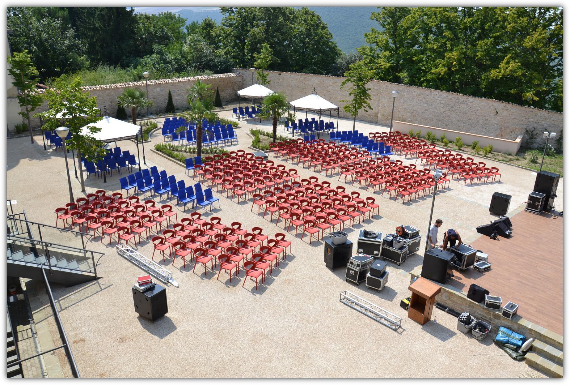 Kikka One sedia per esterni-Riganelli realizzazioni