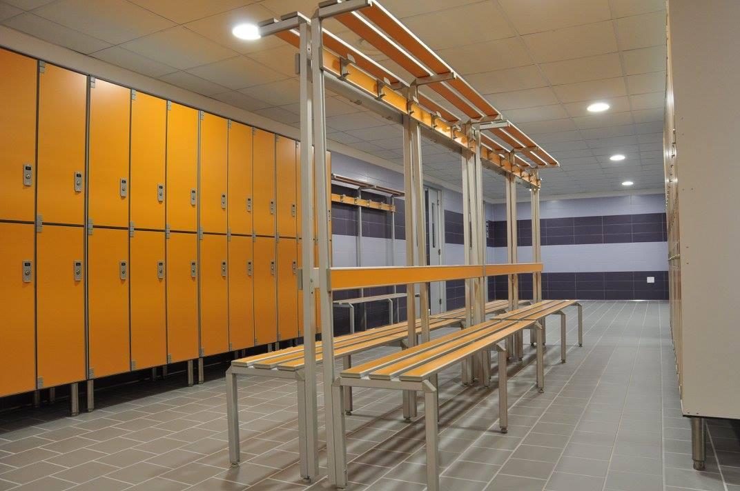 Mas club sport center realizzazioni riganelli for Arredo spogliatoi